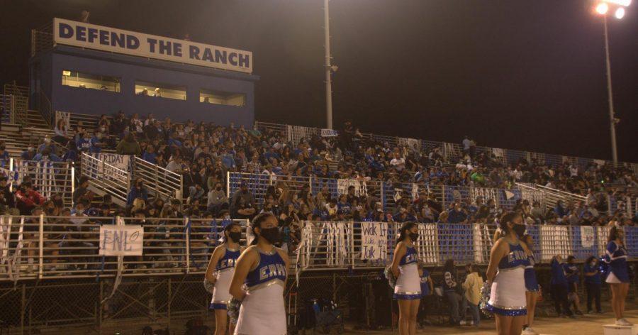 El+Rancho+community+returns+to+Friday+night+football