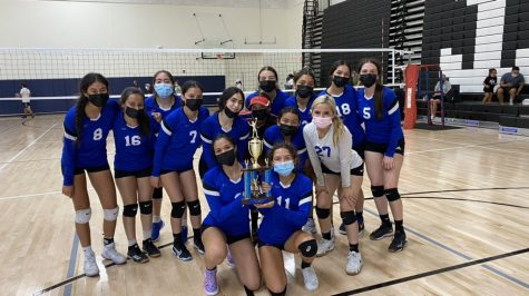 Girls varsity volleyball snatches the first win of the first annual Mariner Tournament